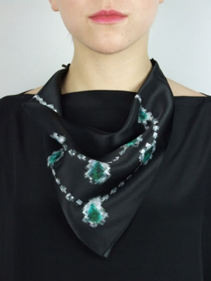 Pixel Necklace Scarf - Green Diamond
