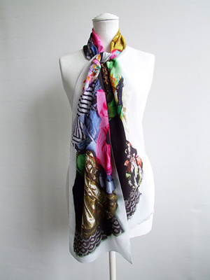 'Personal Treasures' Clothes Pile Scarf (long)