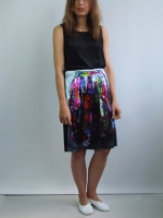 Little Black Skirt Knee - flowers